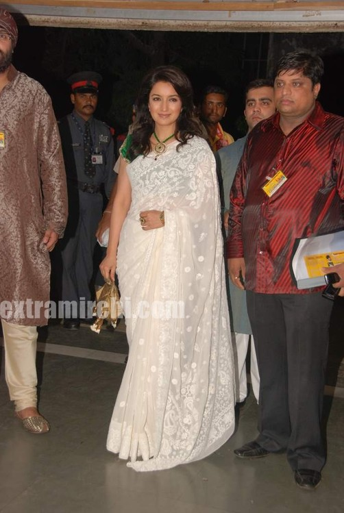 Tisca-Chopra-at-Baisakhi-bash.jpg