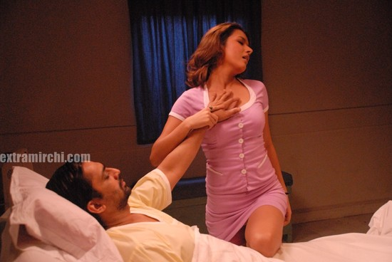 Udita-Goswami-seductive-song-2.jpg