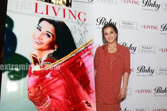 Vidya-Balan-unveils-the-April-2010-issue-of-Hi-LIVING-1.jpg