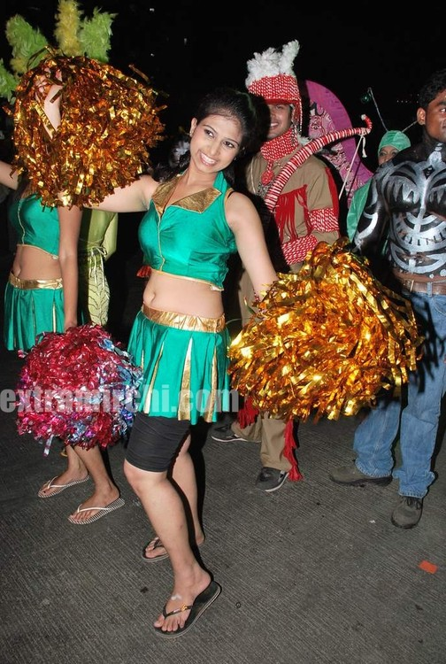 ZEE-TVs-Dance-Indian-Dance-Carinival-9.jpg