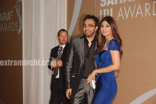 sahara-IPL-Awards-red-carpet-pics-12.jpg