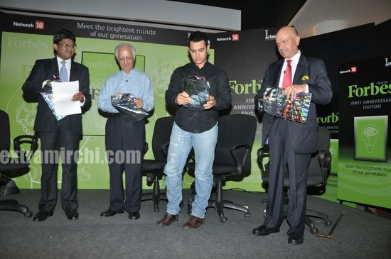 Aamir-Khan-unveils-Forbes-India-1st-anniversary-special-magazine-1.jpg
