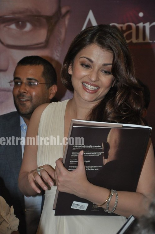 Aishwarya-Rai-at-Pritish-Nandy-book-launch-3.jpg