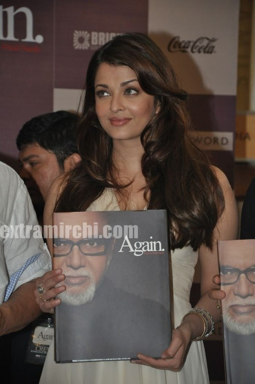 Aishwarya-Rai-at-Pritish-Nandy-book-launch.jpg