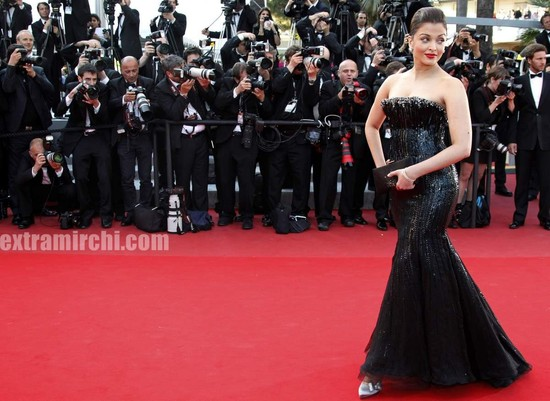 Aishwarya-Rai-in-a-embroided-Armani-Prive-gown-at-Cannes.jpg