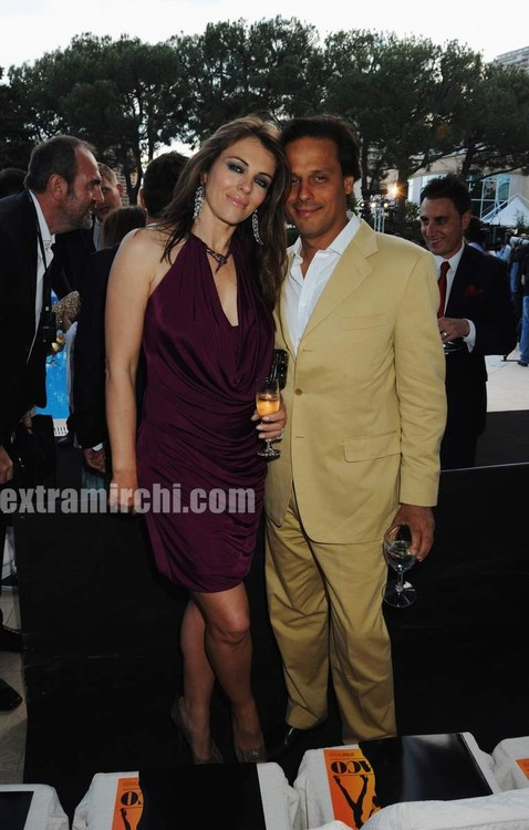 Arun-nayar-and-Elizabeth-Hurley-at-Martini-Monaco-Grand-Prix-2.jpg