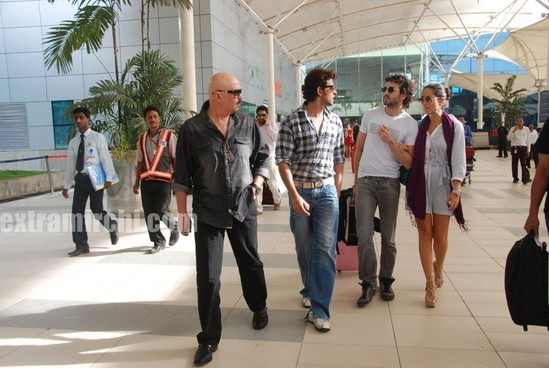 Barbara-More-and-Hrithik-returns-after-Kites-promotion-3.jpg