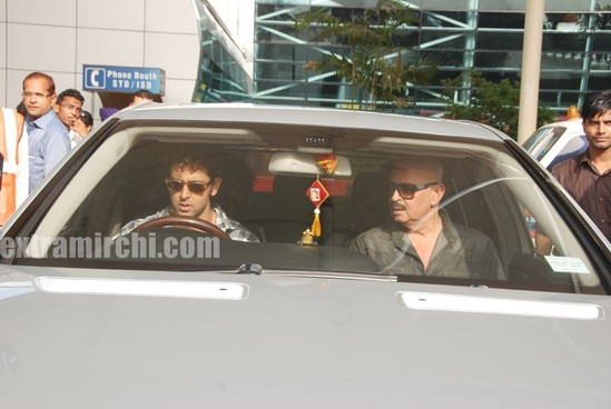 Barbara-More-and-Hrithik-returns-after-Kites-promotion-5.jpg