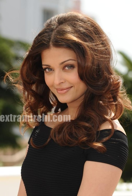 Bollywood-actress-Aishwarya-Rai-at-a-Raavan-Photocall-at-Cannes.jpg