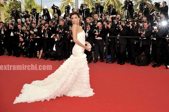Desperate-Housewives-star-Eva-Longoria-at-Cannes-Film-festival-11.jpg
