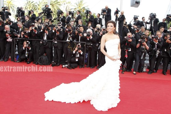 Desperate-Housewives-star-Eva-Longoria-at-Cannes-Film-festival-7.jpg