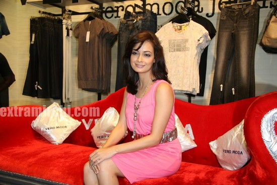 Dia-Mirza-launched-the-Best-Seller-Fashion-brand-at-the-Vero-Moda-6.jpg