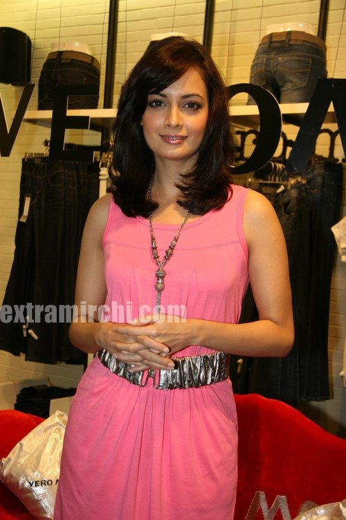 Dia-Mirza-launched-the-Best-Seller-Fashion-brand-at-the-Vero-Moda.jpg