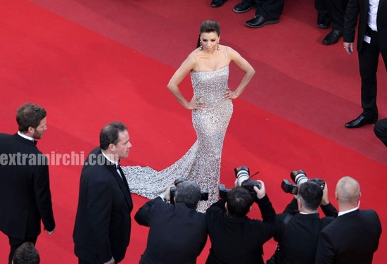 Eva-Longoria-Parker-wearing-dress-By-Naeem-Khan-at-cannes-3.jpg