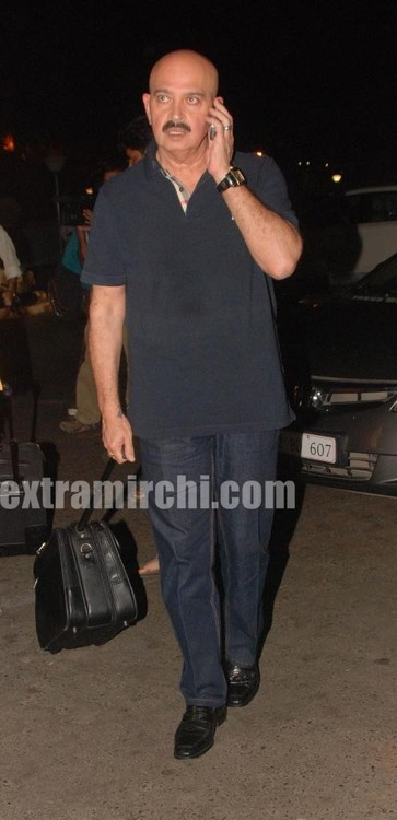 Hrithik-Roshan-and-his-father-Rakesh-Roshan-6.jpg
