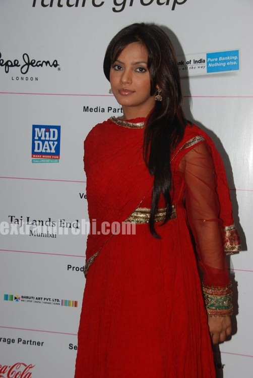 Neetu-Chandra-in-red-anarkali-2.jpg