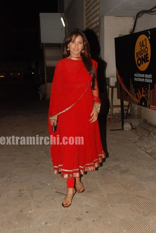 Neetu-Chandra-in-red-anarkali-4.jpg