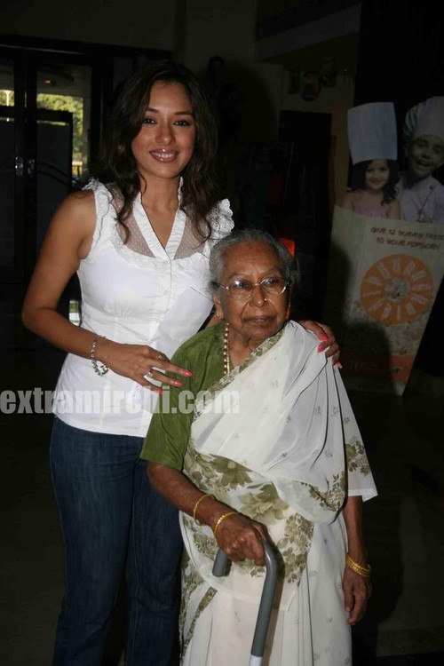 Rupali-Ganguly-at-mothers-day-1.jpg