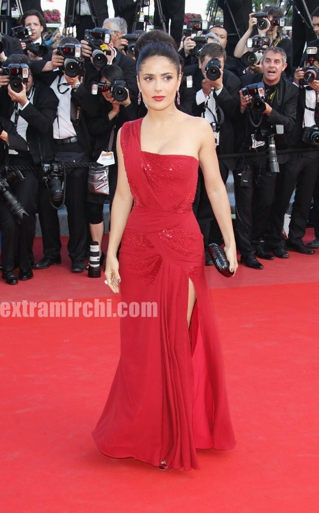 Salma-Hayek-debuts-Gucci-gown-at-Cannes-film-festival-3.jpg
