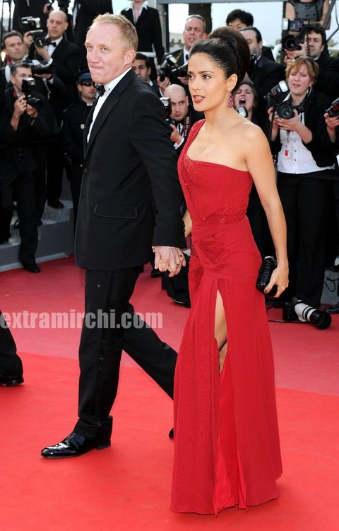 Salma-Hayek-debuts-Gucci-gown-at-Cannes-film-festival.jpg