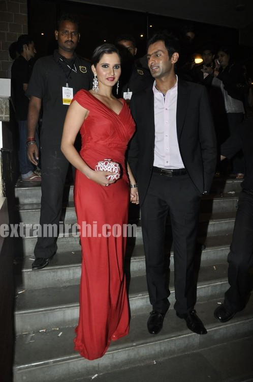 Sania-Mirza-And-Shoaib-Malik-at-Pantaloon-Femina-Miss-India-Grand-Finale-1.jpg
