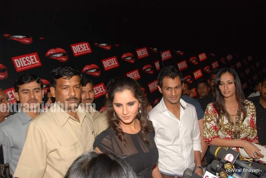Sania-Mirza-and-her-Pakistani-cricketer-husband-Shoaib-Malik-at-Diesel-launch-in-india-5.jpg