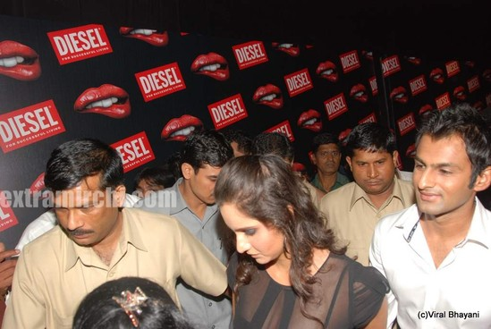 Sania-Mirza-and-her-Pakistani-cricketer-husband-Shoaib-Malik-at-Diesel-launch-in-india-8.jpg
