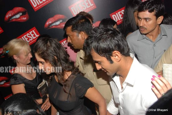 Sania-Mirza-and-her-Pakistani-cricketer-husband-Shoaib-Malik-at-Diesel-launch-in-india.jpg
