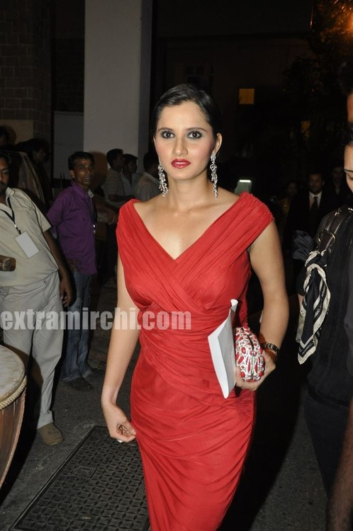 Sania-Mirza-at-Pantaloons-Femina-Miss-India-1.jpg