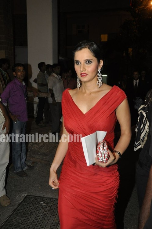 Sania-Mirza-at-Pantaloons-Femina-Miss-India.jpg