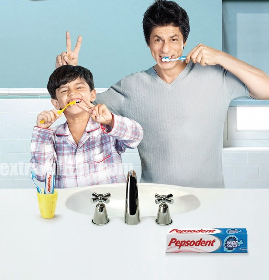Shah rukh khan's pepsodent ad – photo