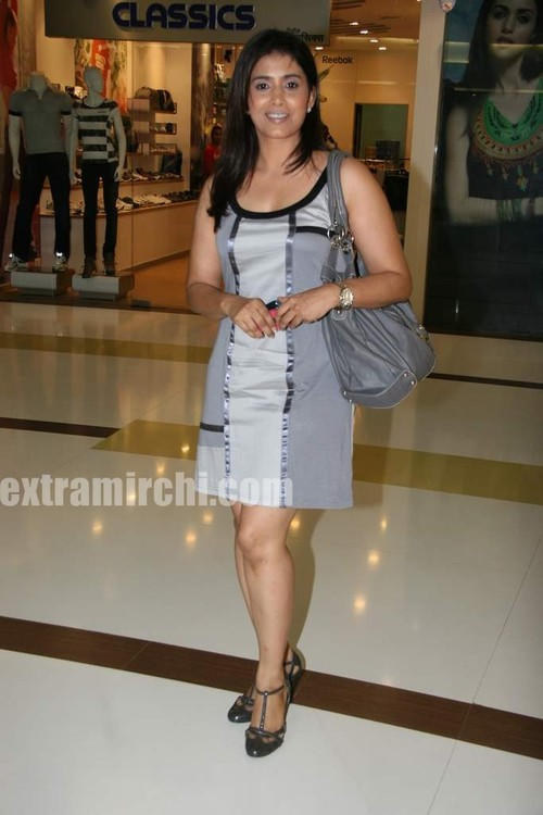 Sonali-Kulkarni-looked-pretty.jpg