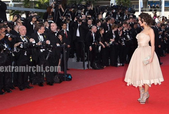 Spotted-Mallika-Sherawat-in-Cannes-5.jpg