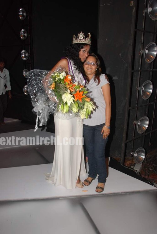 Ushoshi-winner-Miss-Universe-India-2010-I-AM-She-3.jpg