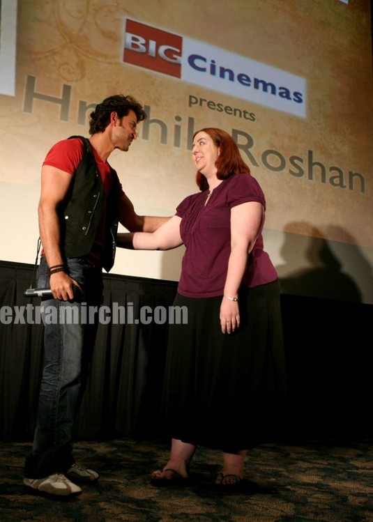 hrithik-Roshan-promotes-Kites-at-Manhattan-Big-Cinemas-1.jpg