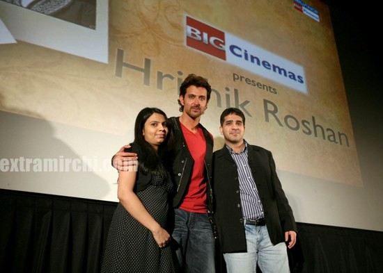 hrithik-Roshan-promotes-Kites-at-Manhattan-Big-Cinemas-2.jpg