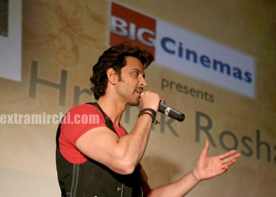 hrithik-Roshan-promotes-Kites-at-Manhattan-Big-Cinemas-3.jpg