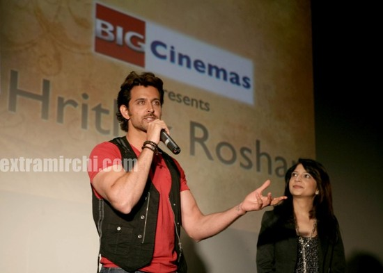 hrithik-Roshan-promotes-Kites-at-Manhattan-Big-Cinemas-4.jpg