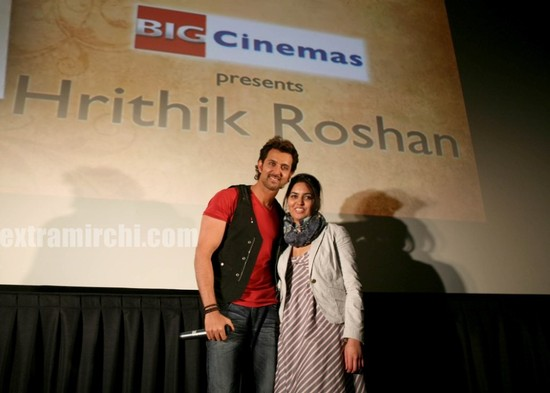 hrithik-Roshan-promotes-Kites-at-Manhattan-Big-Cinemas-5.jpg