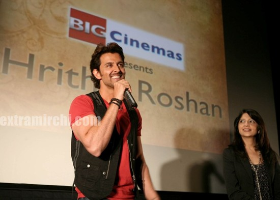 hrithik-Roshan-promotes-Kites-at-Manhattan-Big-Cinemas.jpg
