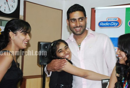 Abhishek-at-Radio-City-to-promote-Raavan-1.jpg