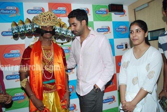 Abhishek-at-Radio-City-to-promote-Raavan-5.jpg