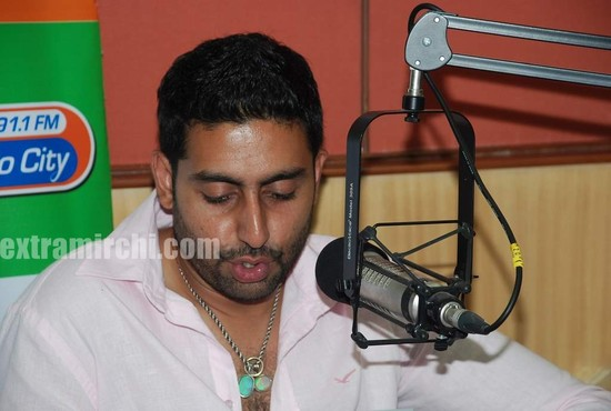 Abhishek-at-Radio-City-to-promote-Raavan-8.jpg