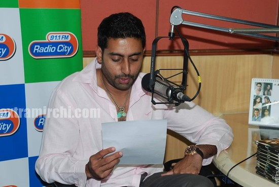 Abhishek-at-Radio-City-to-promote-Raavan.jpg