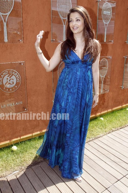 Aishwarya-Rai-The-2010-French-Open.jpg
