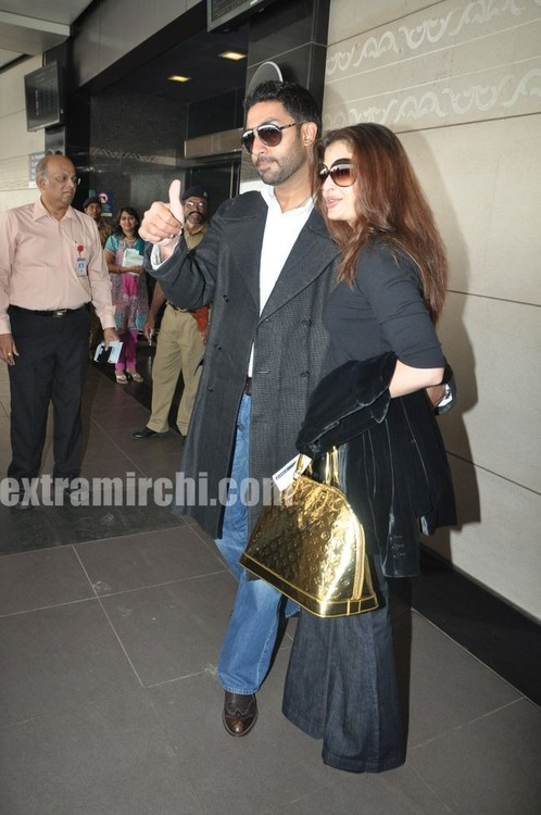 Aishwarya-Rai-and-Abhishek-Bachchan-leave-for-Raavan-Promotions-in-London-1.jpg