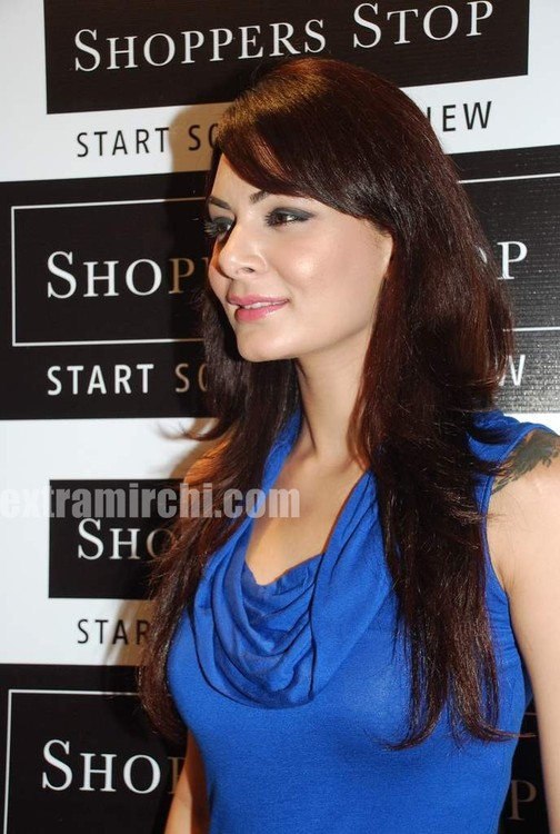 Anchal-Kumar-at-Shoppers-Stop-relaunch-5.jpg