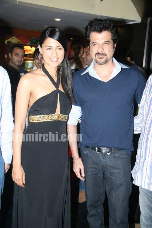 Anil-Kapoor-and-Aruna-Shields-at-Mr-Singh-Mrs-Mehta-special-show-2.jpg