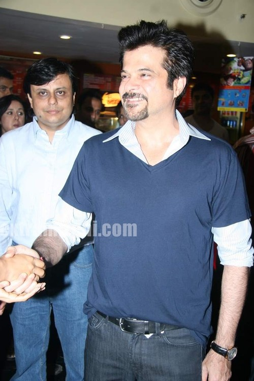 Anil-Kapoor-and-Aruna-Shields-at-Mr-Singh-Mrs-Mehta-special-show-3.jpg