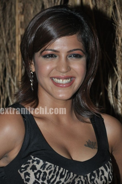 Crime-and-Bollywood-on-Zoom-TV-Launch-bash-at-Saharastar-7.jpg